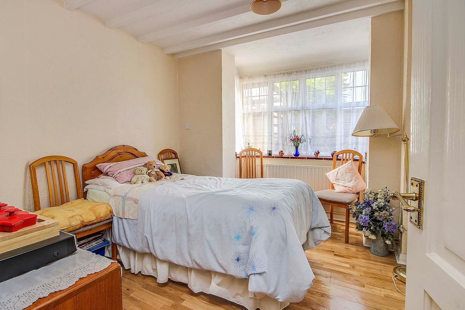 4 bed house for sale in Bushby Avenue 8