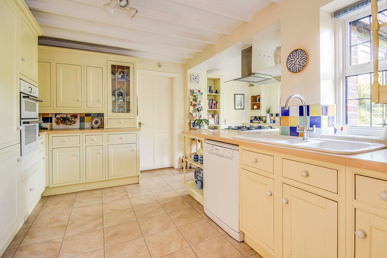 4 bed house for sale in Bushby Avenue 9