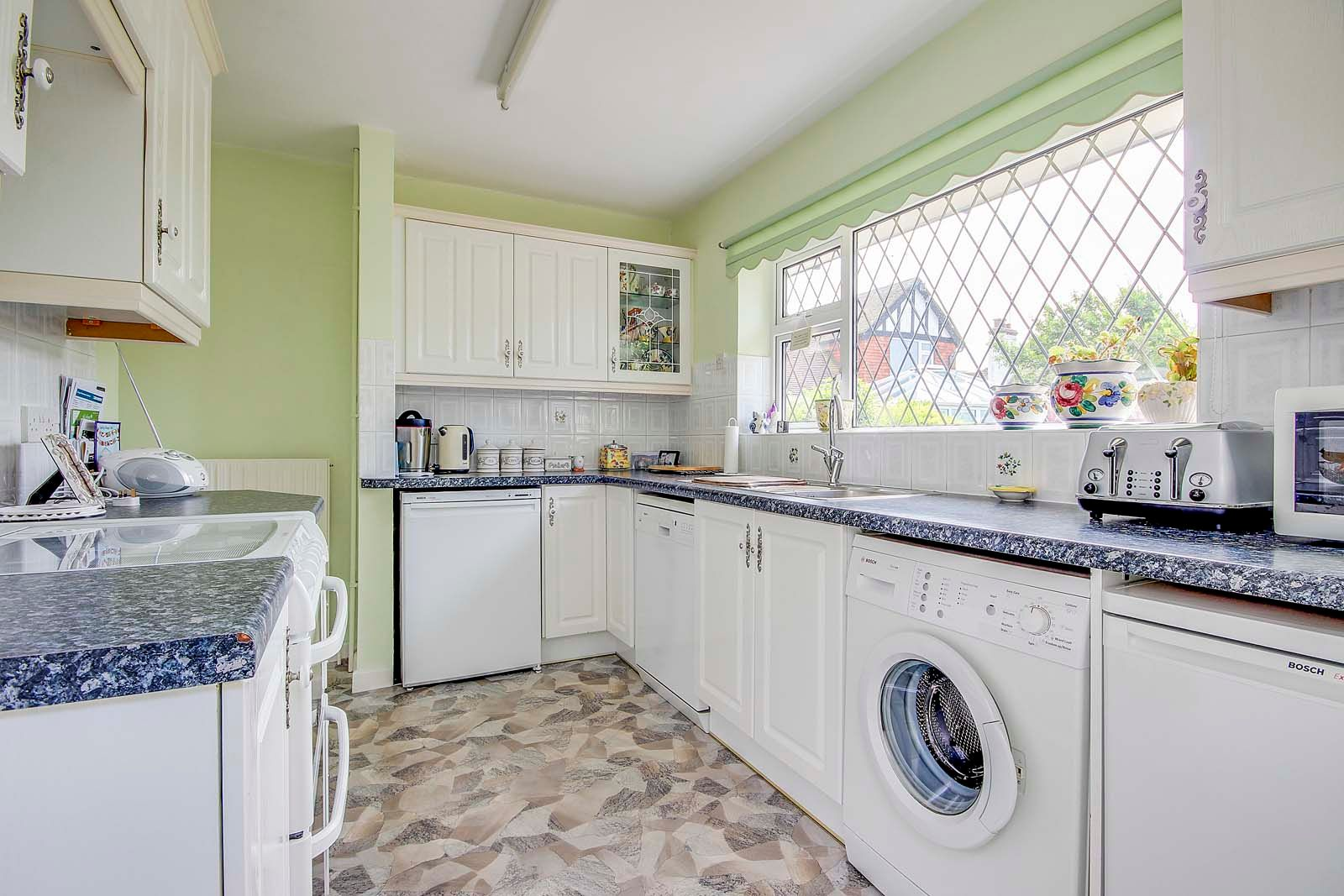 3 bed House for sale in Rustington - Kitchen (Property Image 6)