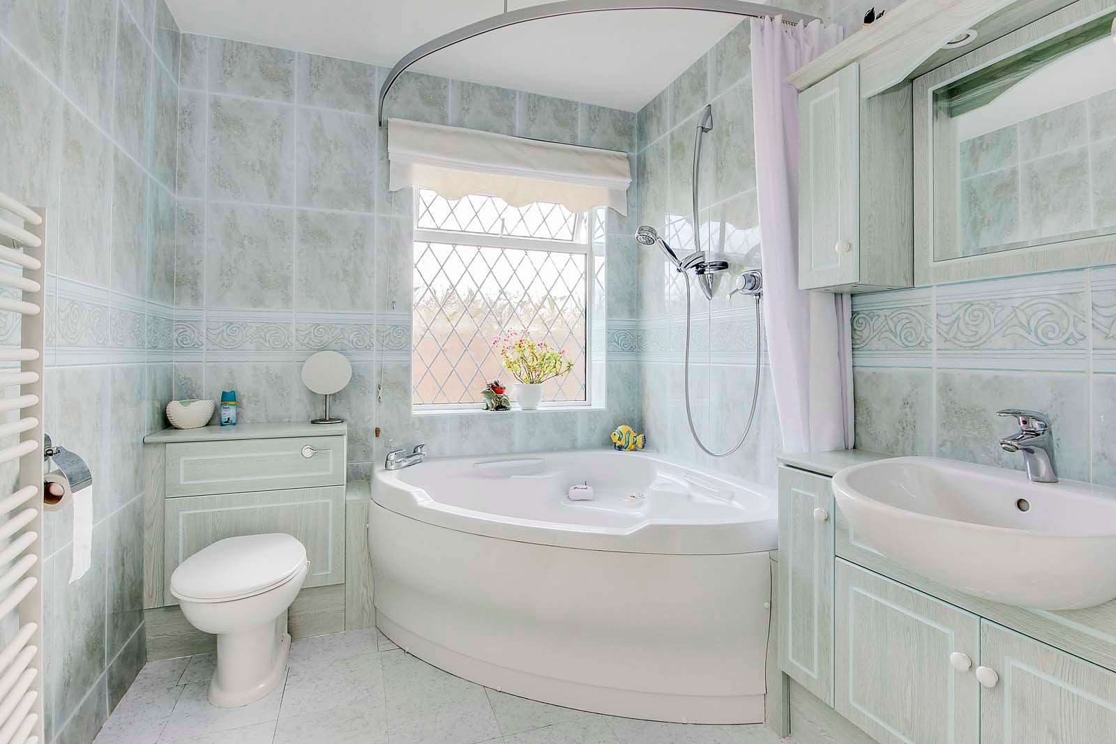 3 bed House for sale in Rustington - Bathroom (Property Image 7)
