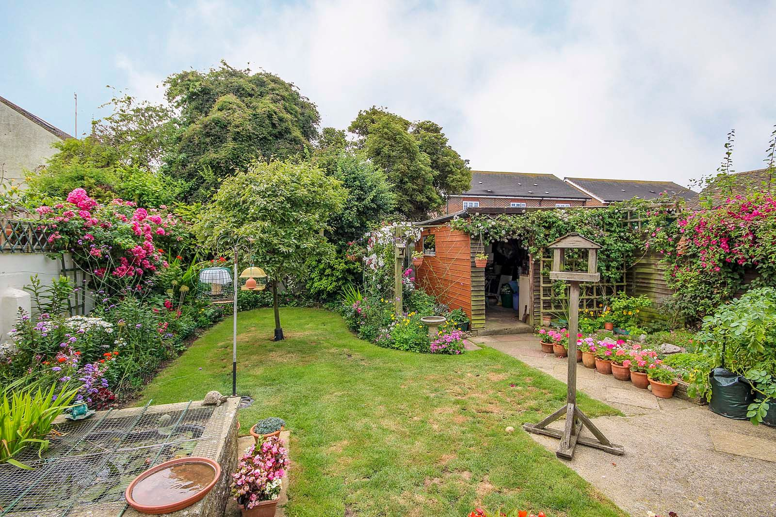 2 bed bungalow for sale in Grand Avenue  - Property Image 3