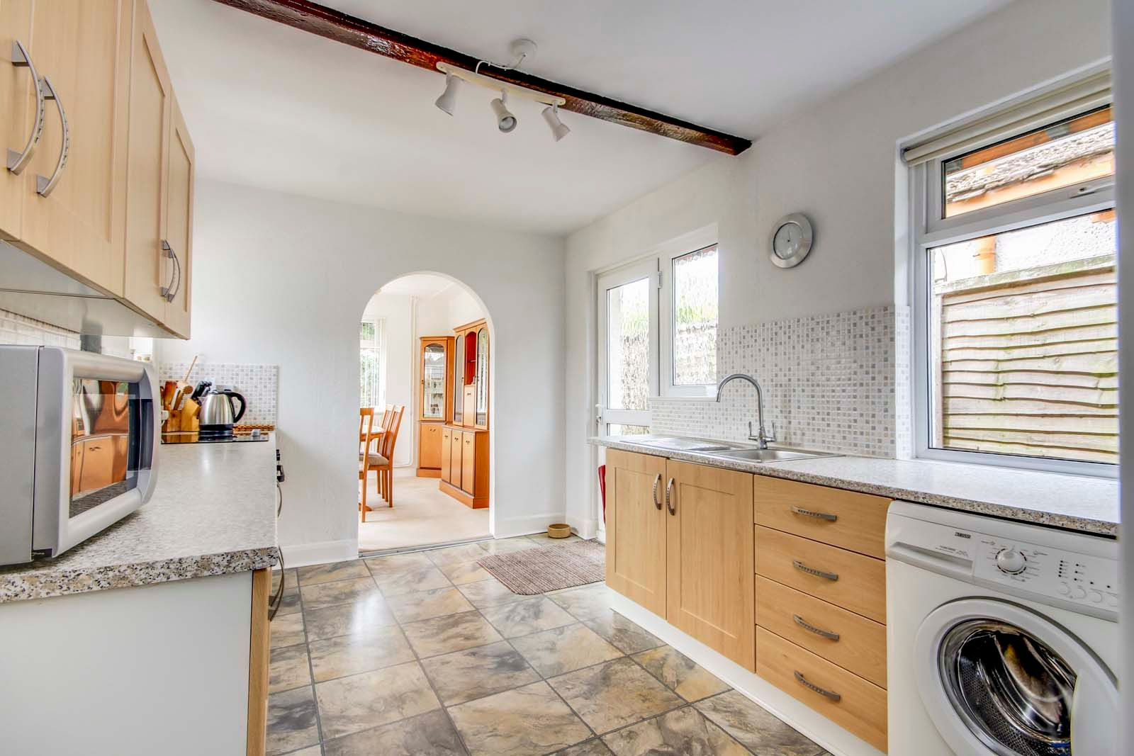 2 bed bungalow for sale in Grand Avenue  - Property Image 4