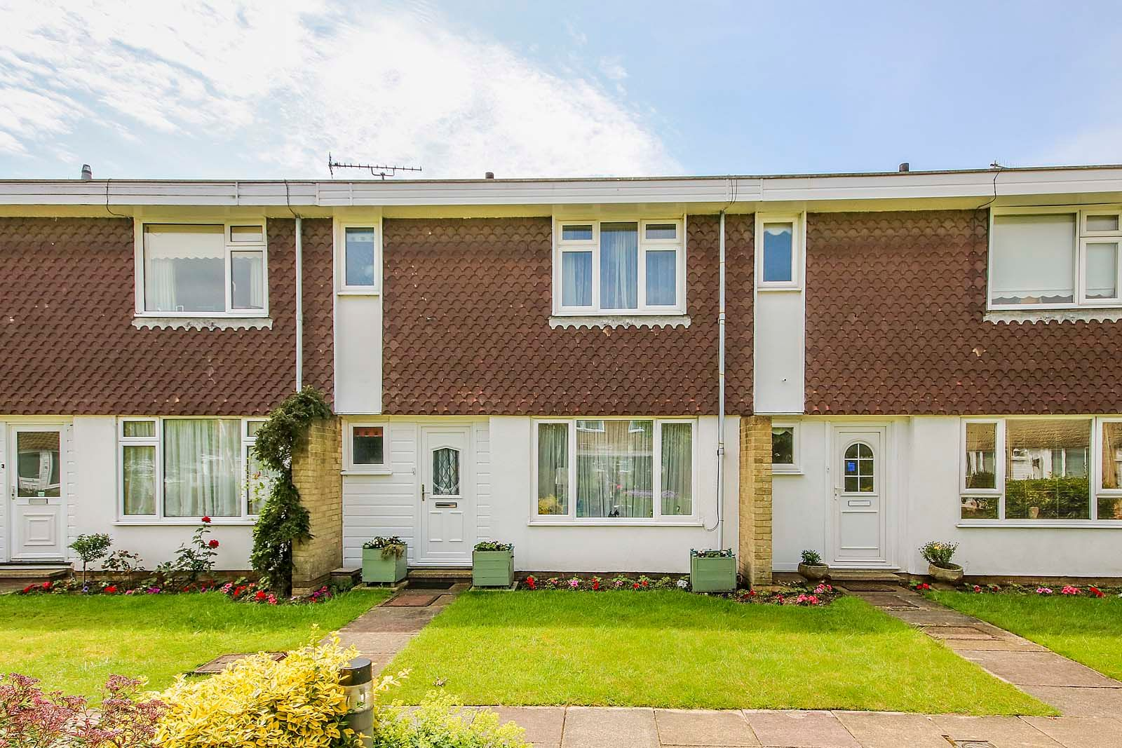 3 bed house for sale in Arundel Garden - Property Image 1