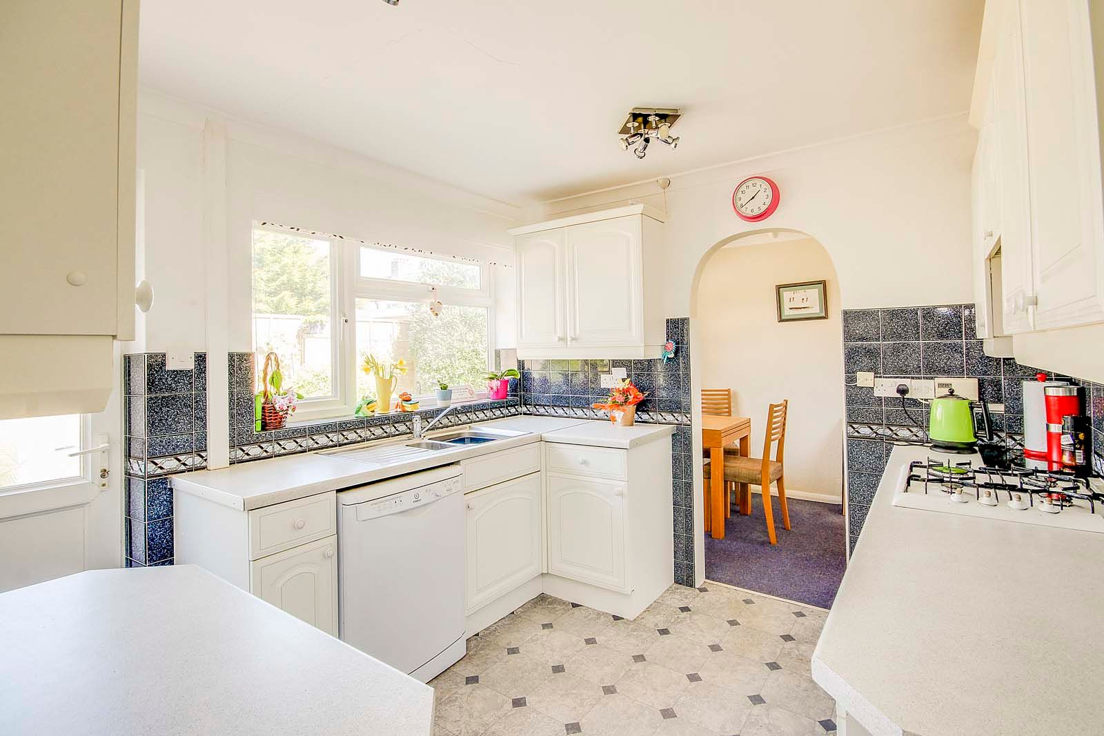 3 bed bungalow for sale in Greenbushes Close 11