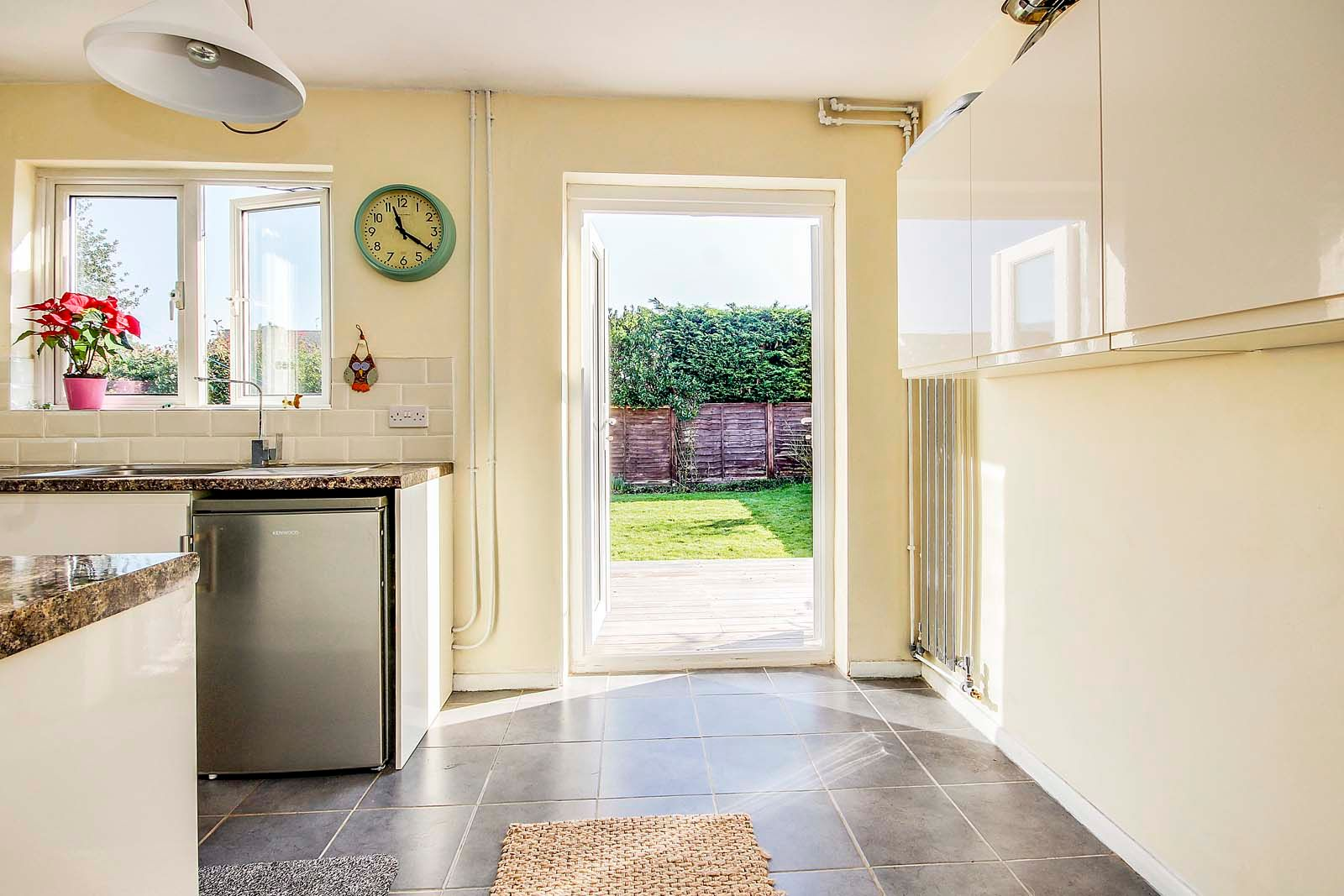 3 bed bungalow for sale in Mill Close 10
