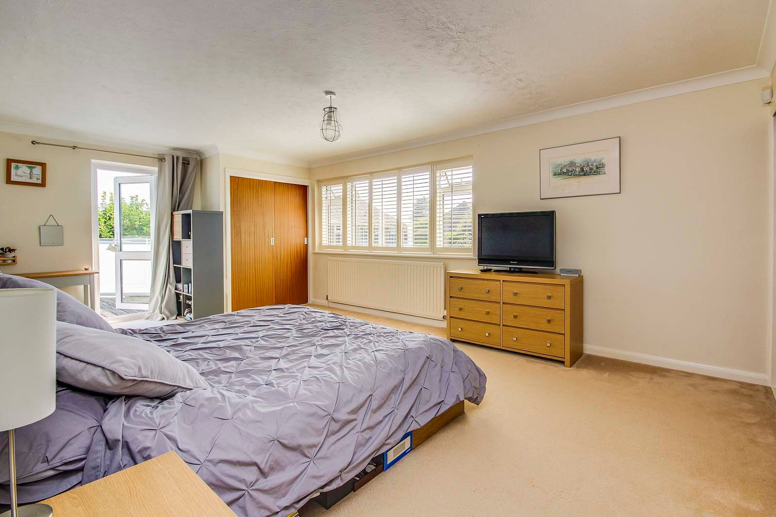 4 bed House for sale in Rustington - Bedroom (Property Image 5)