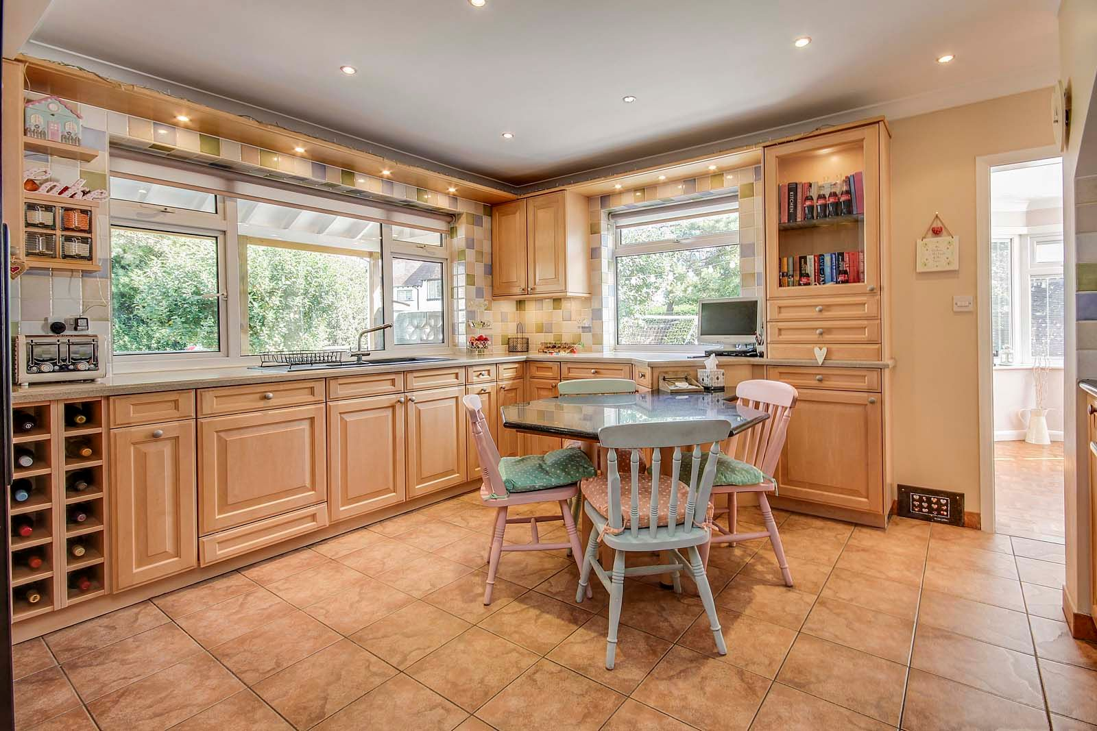 4 bed House for sale in Rustington - Kitchen (Property Image 8)