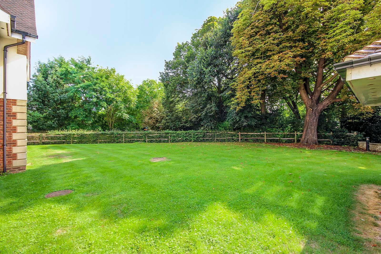 3 bed  for sale in Cleeves Way 4