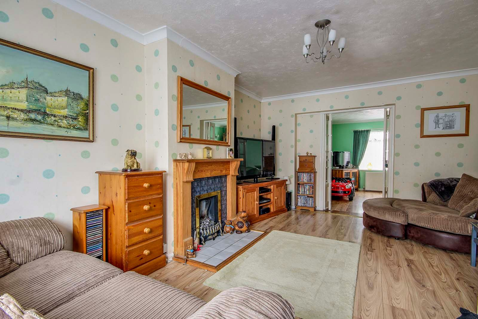 4 bed house for sale in Thorncroft Road 9