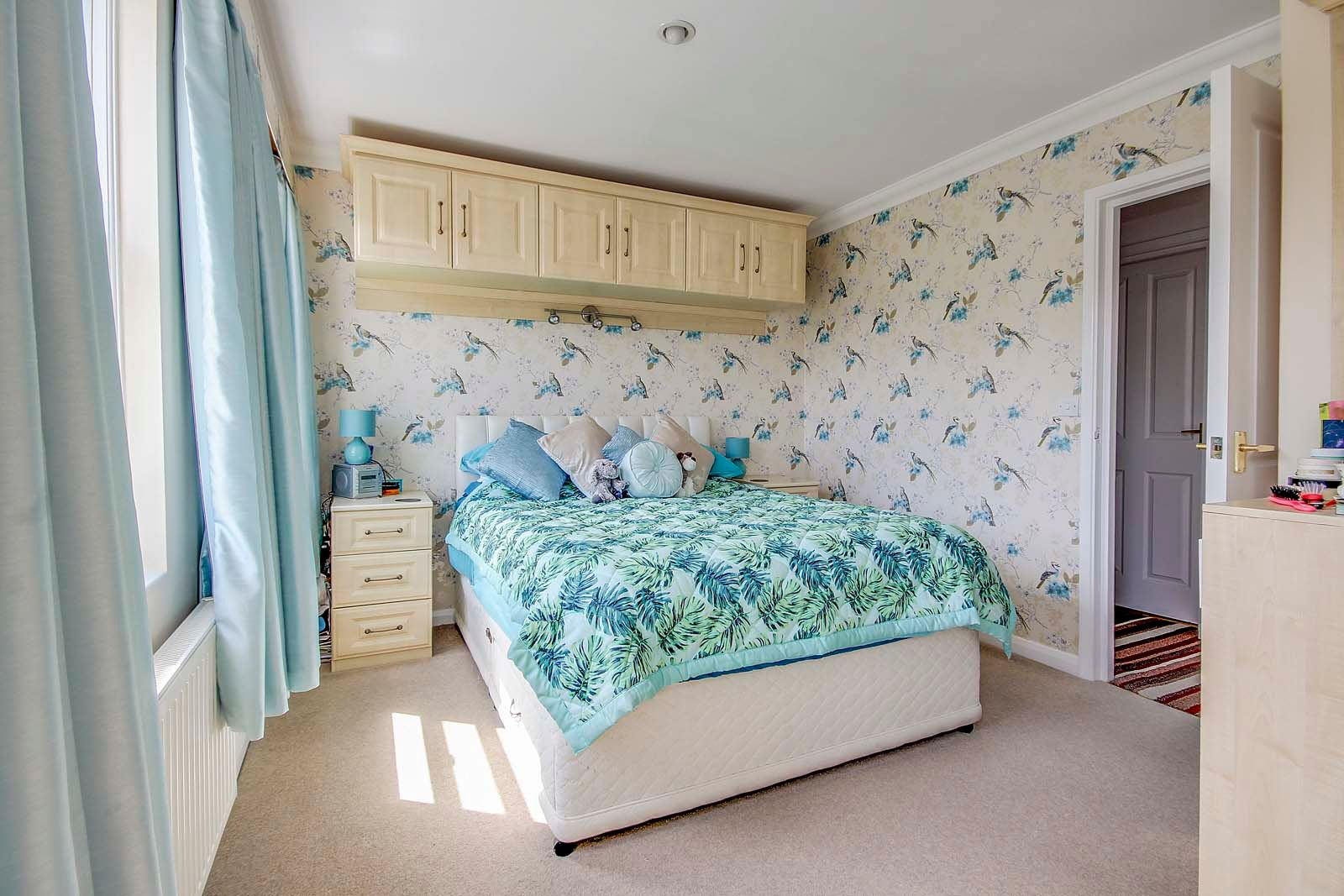 4 bed house for sale in Western Road  - Property Image 11