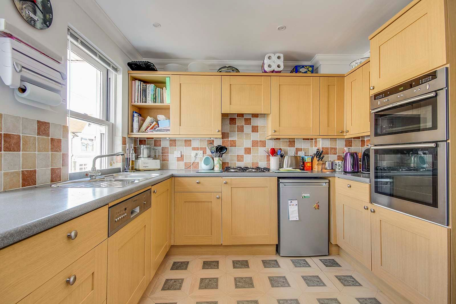 4 bed house for sale in Western Road  - Property Image 5