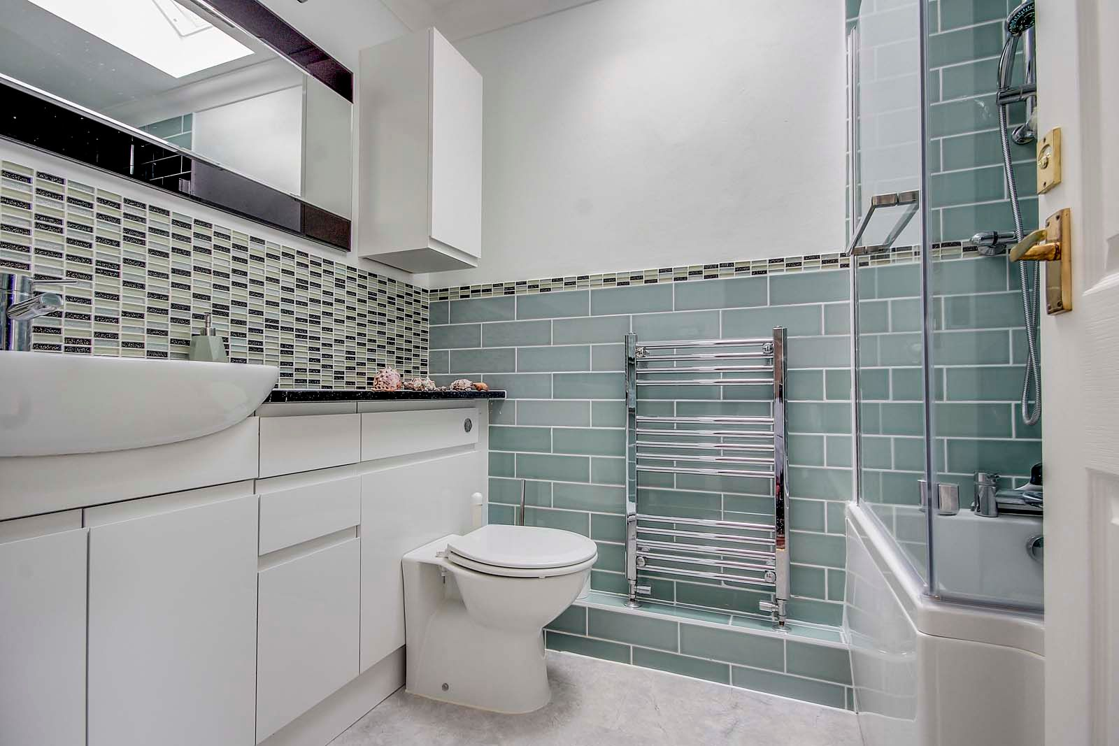 4 bed house for sale in Western Road  - Property Image 6