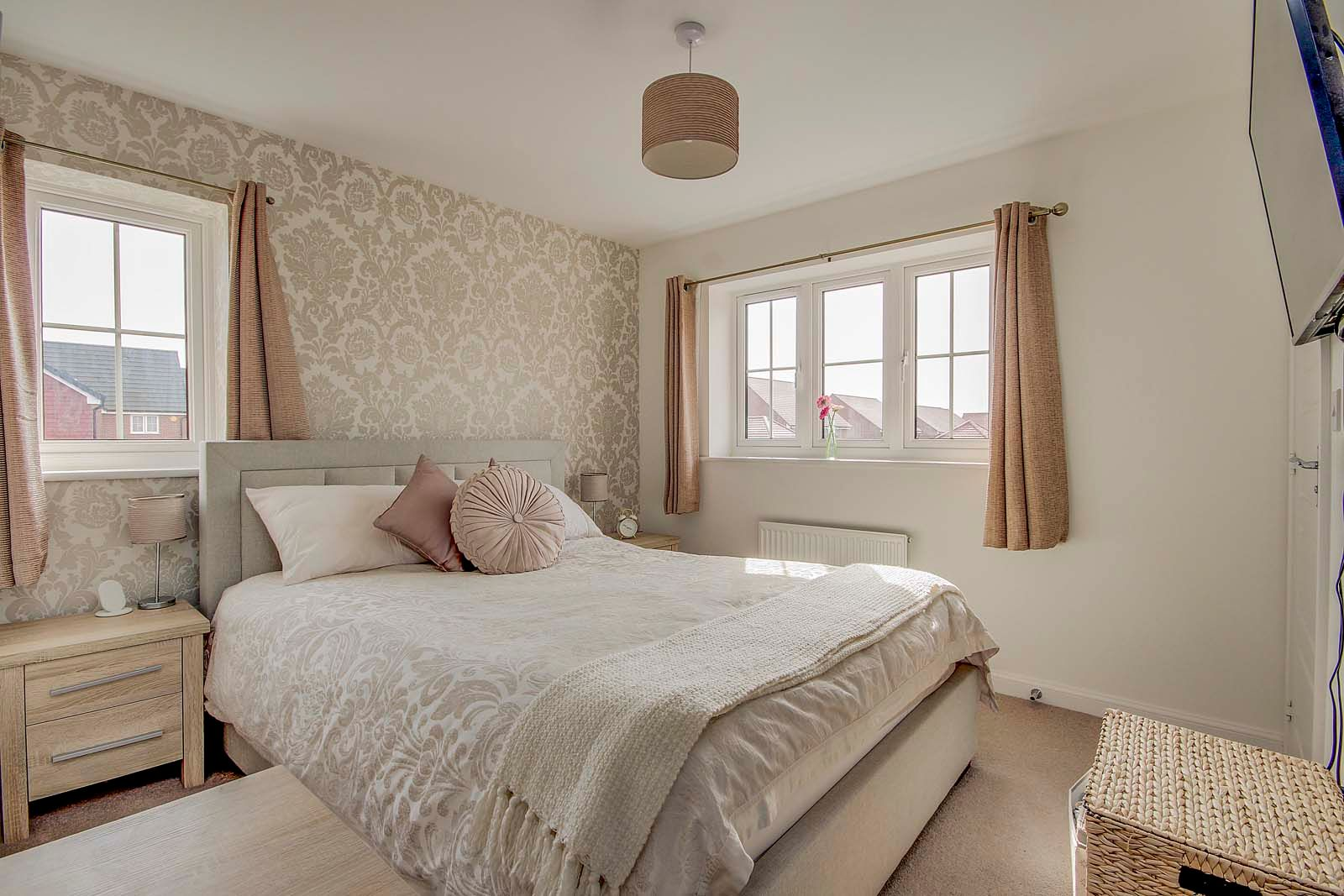 3 bed house for sale in Ockenden Road 6