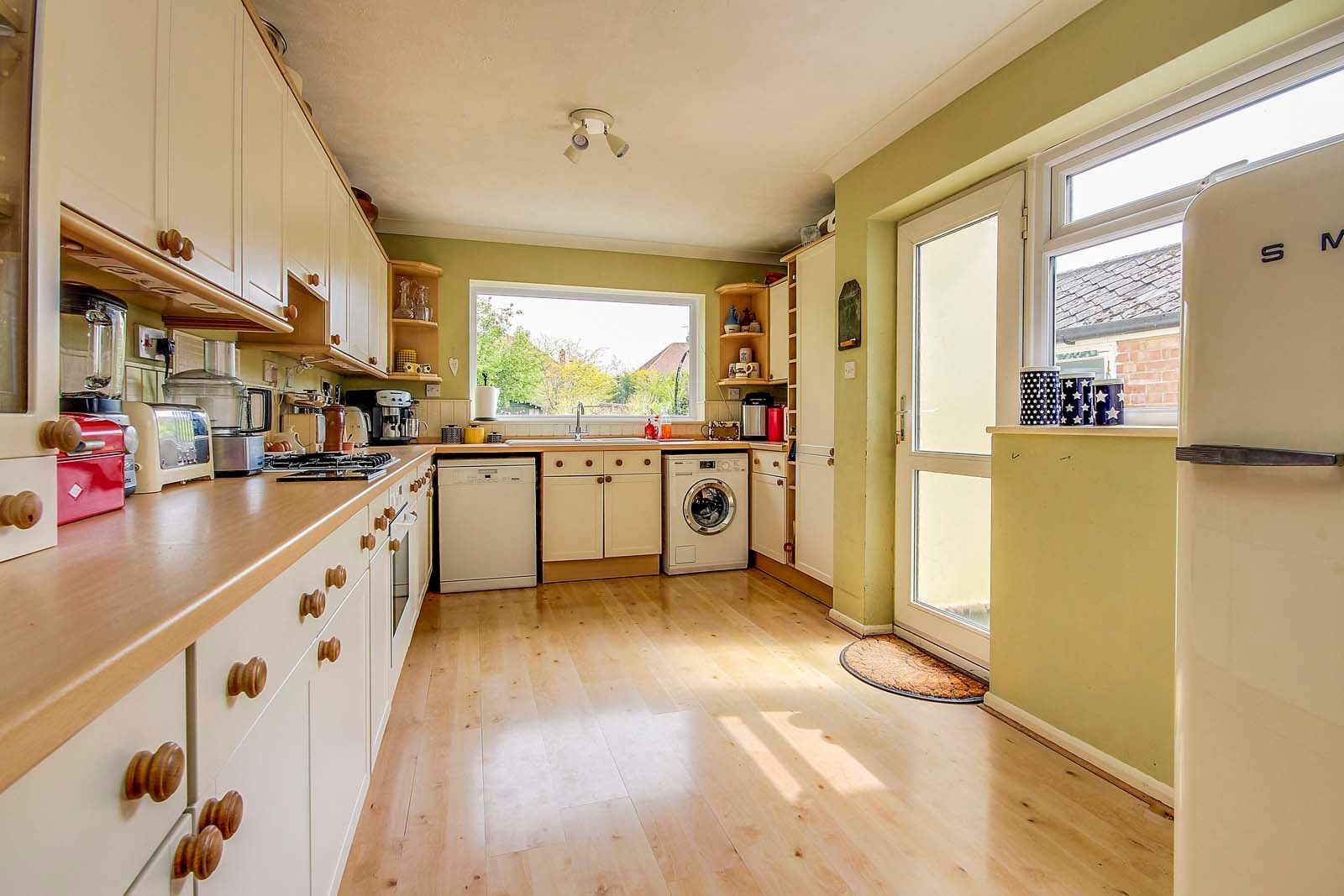 4 bed house for sale in St Floras Road 6