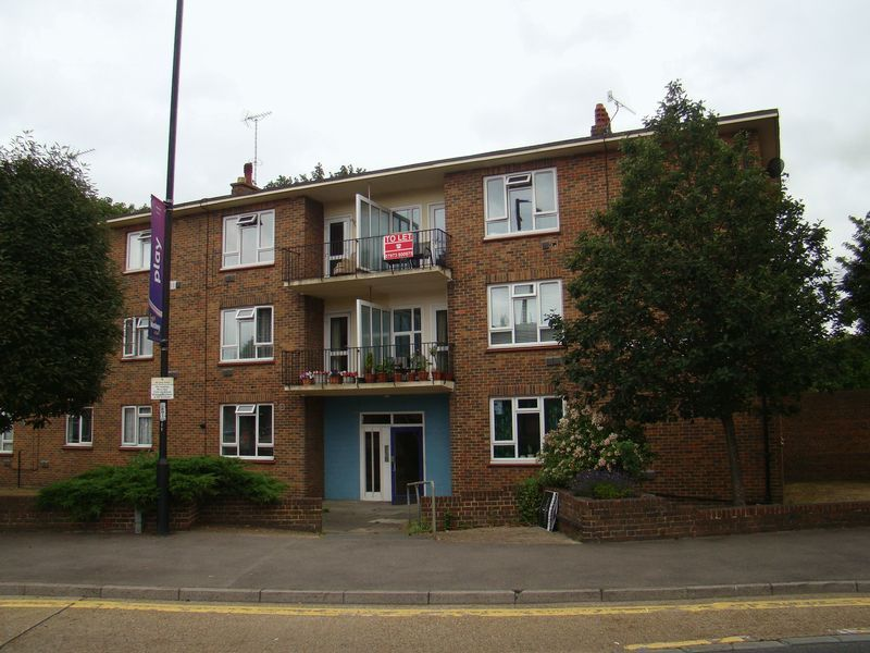 2 bed flat to rent in Corporation Street