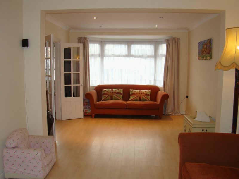 3 bed house to rent in Dial Road  - Property Image 2