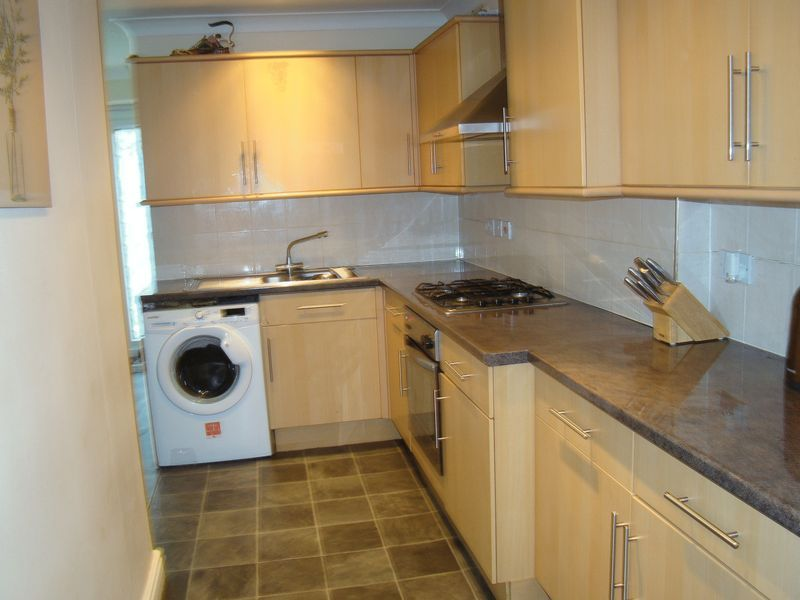 3 bed  to rent on Dial Road  - Property Image 4