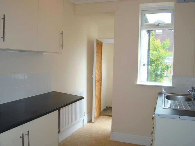 3 bed house to rent in Orchard Street  - Property Image 4
