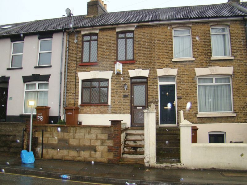 2 bed house to rent in Canterbury Street
