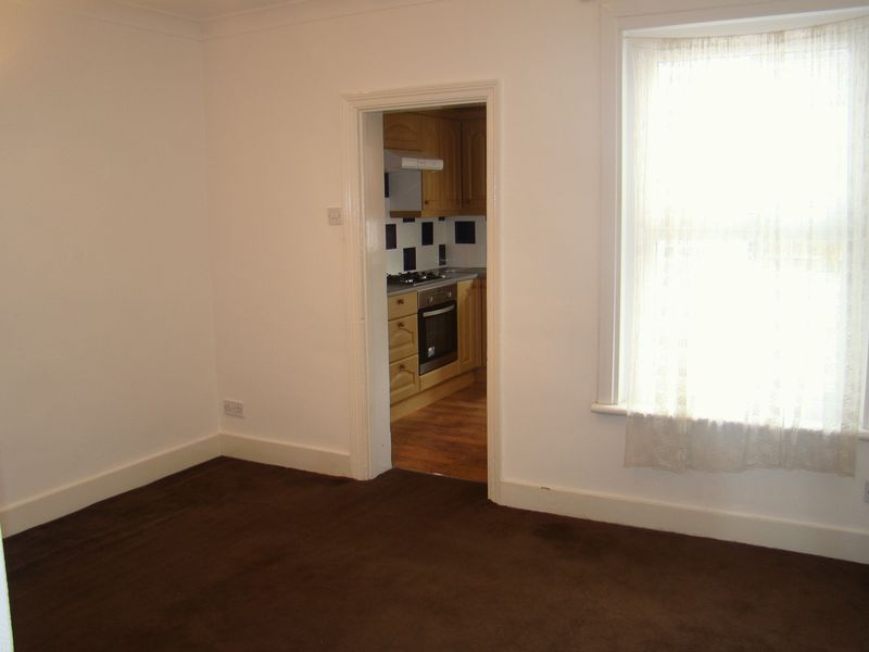 3 bed  to rent on Eva Road  - Property Image 4