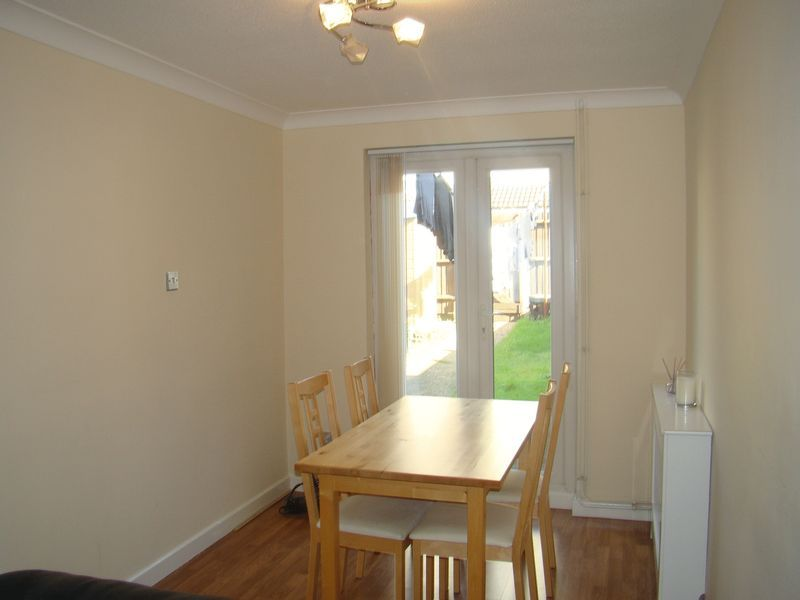 3 bed house to rent in Henry Street  - Property Image 8