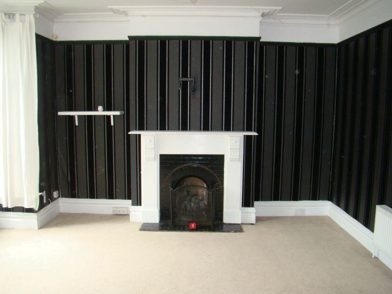 3 bed house to rent in Mcleod Road - Property Image 1