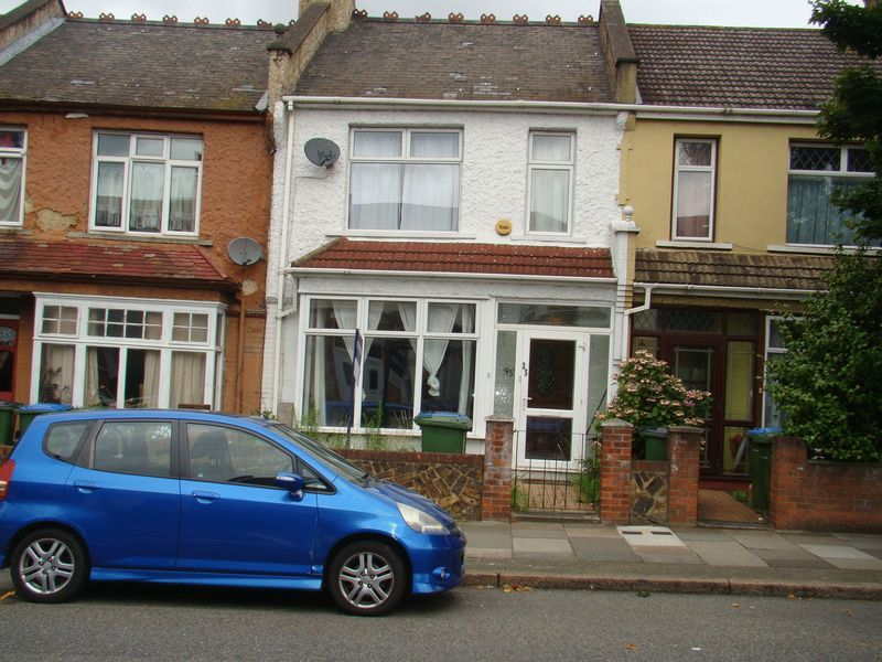 3 bed house to rent in Mcleod Road  - Property Image 9