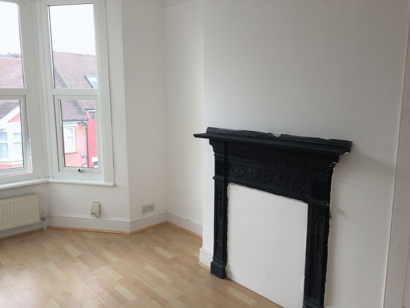 4 bed  to rent on Rochester Street  - Property Image 6