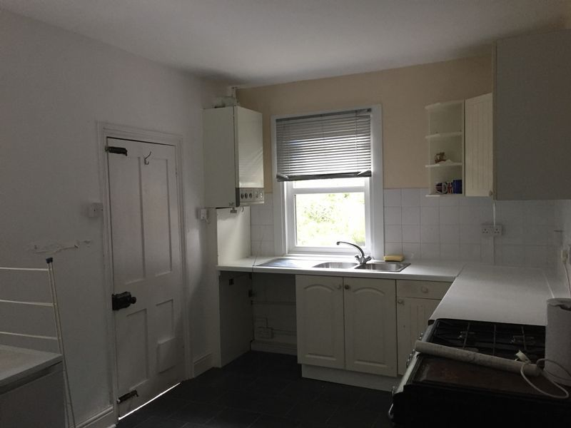 4 bed  to rent on Rochester Street  - Property Image 8