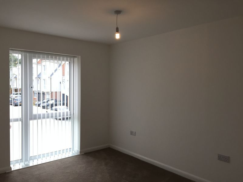 3 bed  to rent on Castleridge Drive  - Property Image 6