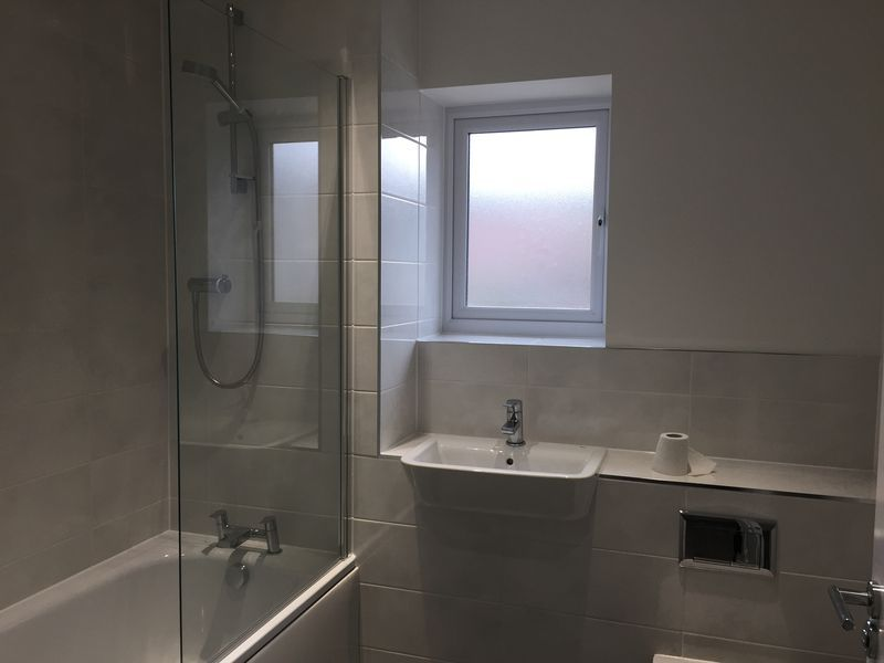 3 bed  to rent on Castleridge Drive  - Property Image 7