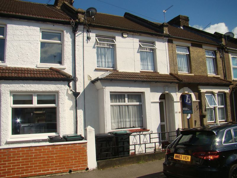 3 bed house to rent in Gordon Road - Property Image 1
