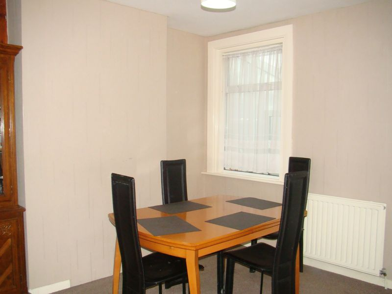 3 bed house to rent in Gordon Road  - Property Image 3