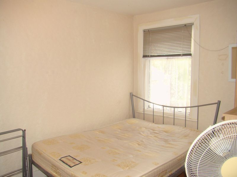 3 bed house to rent in Gordon Road  - Property Image 5