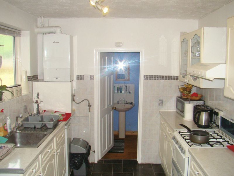 3 bed house to rent in Gordon Road  - Property Image 7