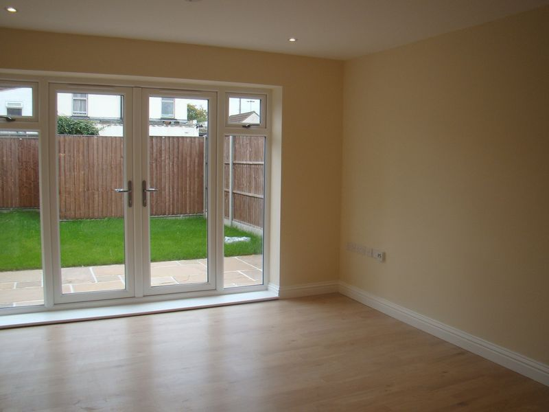 3 bed house to rent in Granary Close  - Property Image 4