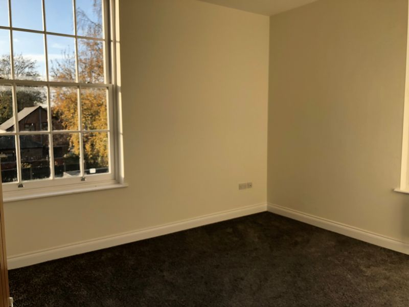 2 bed  to rent on High Street  - Property Image 4