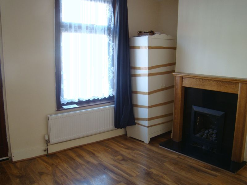 2 bed house to rent in Fox Street  - Property Image 3