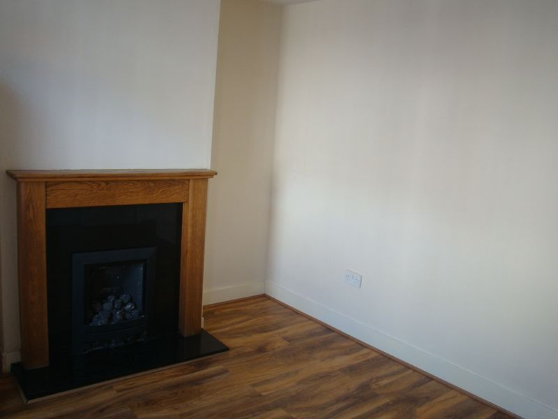 2 bed house to rent in Fox Street  - Property Image 4