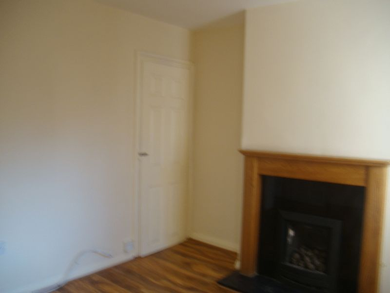 2 bed house to rent in Fox Street  - Property Image 5