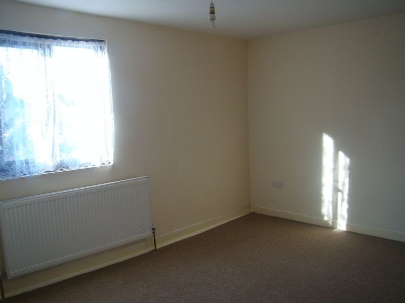 2 bed house to rent in Fox Street  - Property Image 8