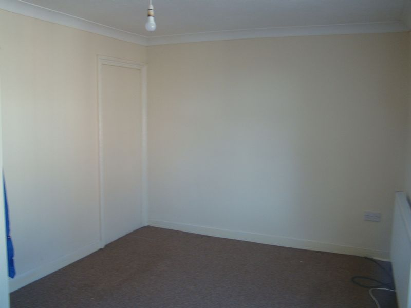 2 bed  to rent on Fox Street  - Property Image 9