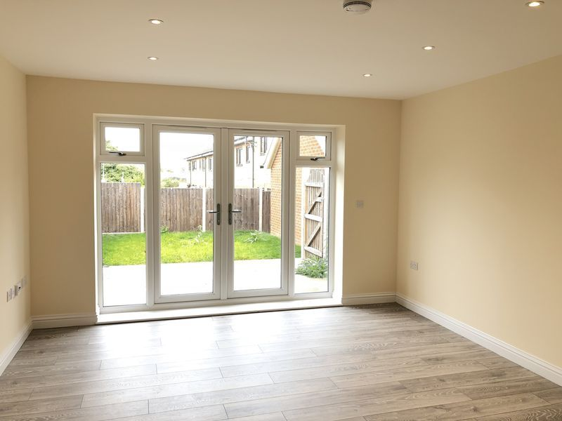 4 bed house to rent in Granary Close  - Property Image 2