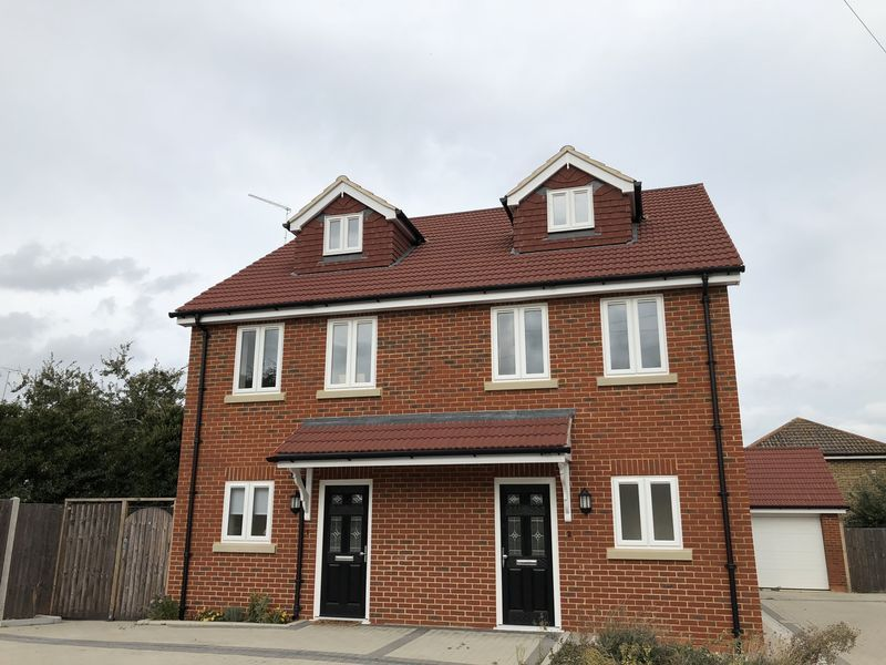4 bed house to rent in Granary Close  - Property Image 3