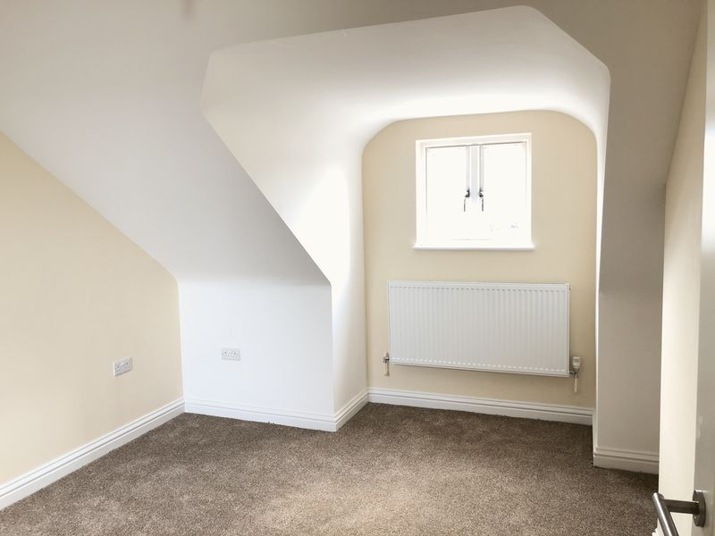 4 bed  to rent on Granary Close  - Property Image 5