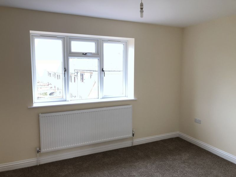 4 bed house to rent in Granary Close  - Property Image 9