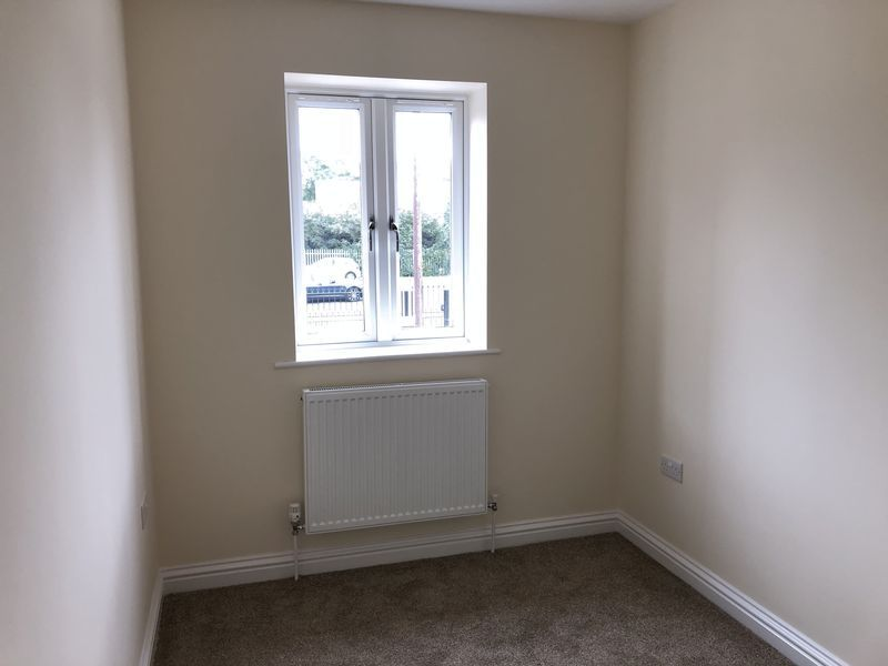 4 bed house to rent in Granary Close  - Property Image 10