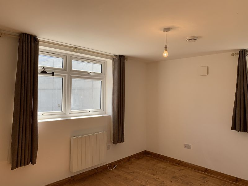 1 bed flat to rent in High Street