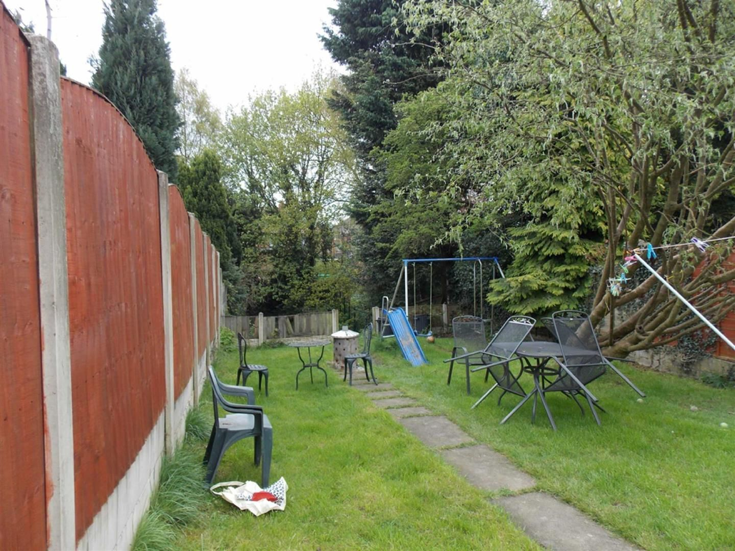 4 bed  for sale  - Property Image 13
