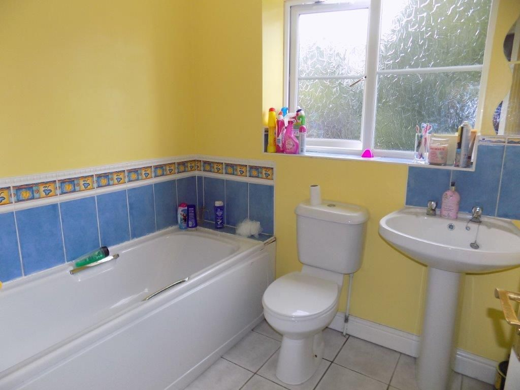 3 bed detached for sale 10
